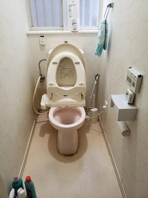 古いトイレを交換リフォーム|粕屋郡須恵町在住のお客様のビフォー画像