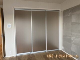 東区で壁を解体し間仕切りドアを設置しました。のアフター画像