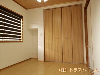 福岡市東区で押入れをオシャレなウォークインクローゼットへリフォームのアフター画像